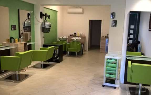 Negozi: parrucchieri – centri estetici